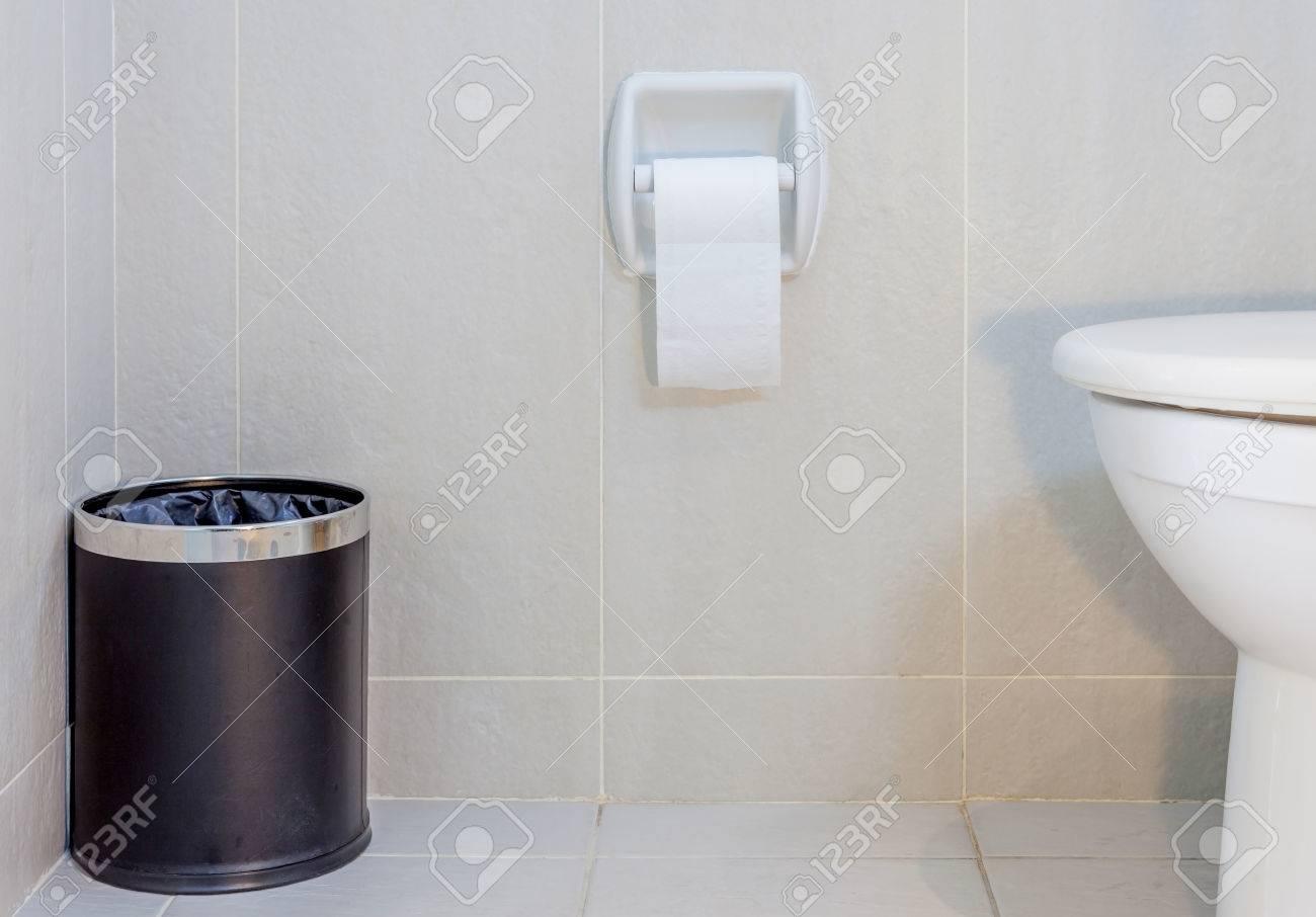 papelera para el baño
